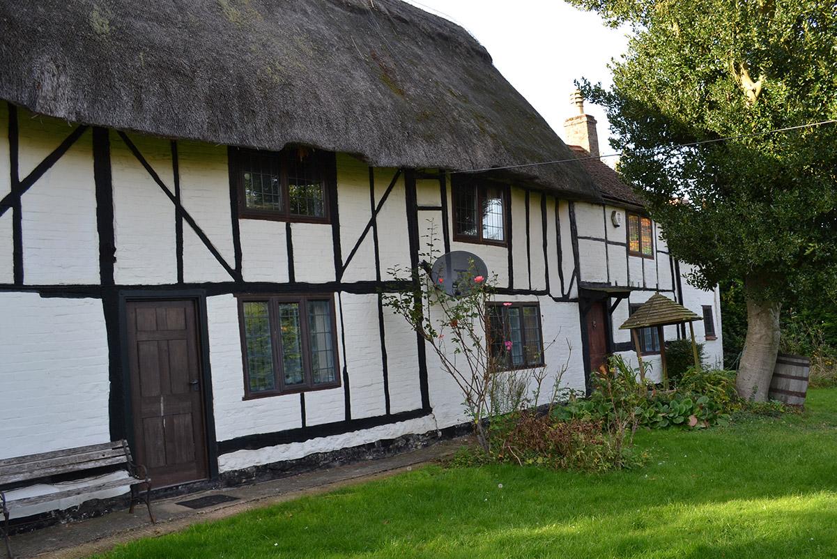 Hollybush Cottage - Front - Before