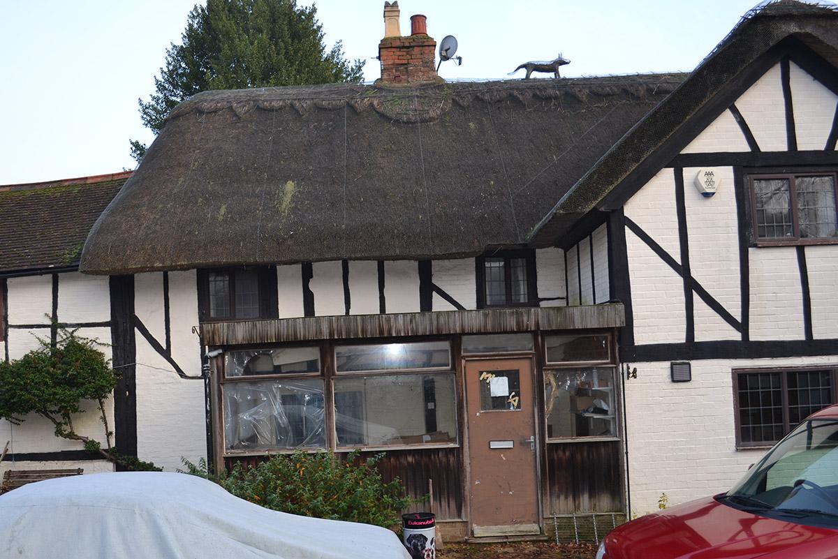 Hollybush Cottage - Entrance - Before
