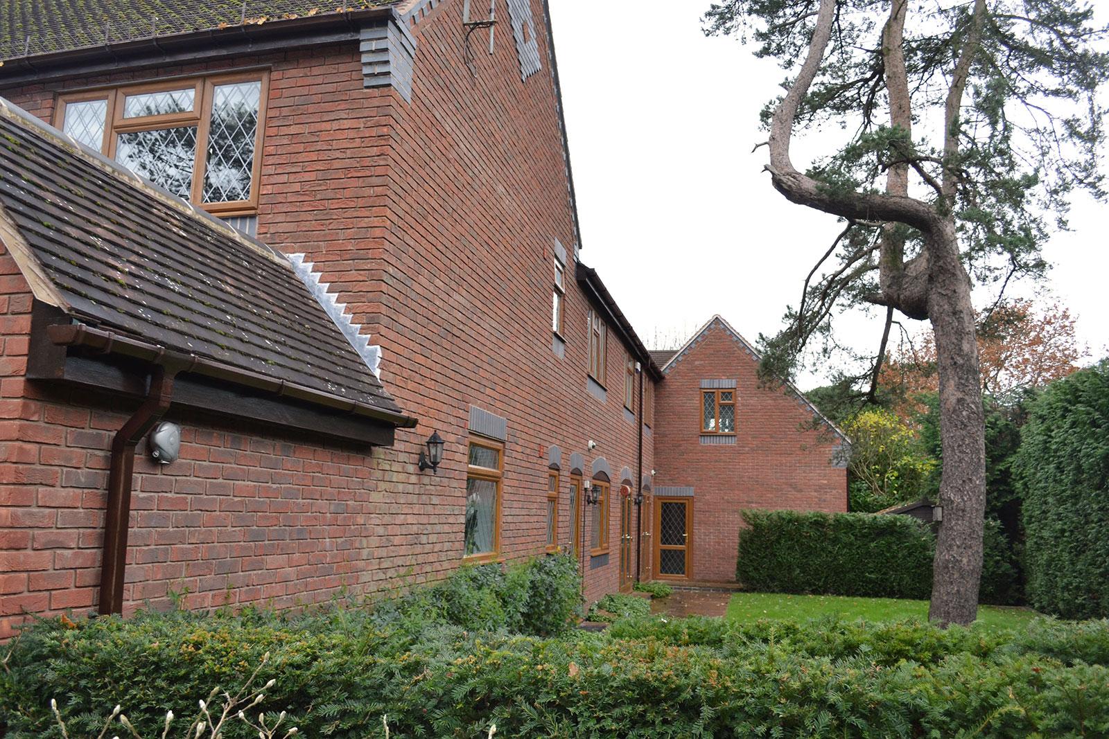 Warwickshire - Before - Garden Lobby